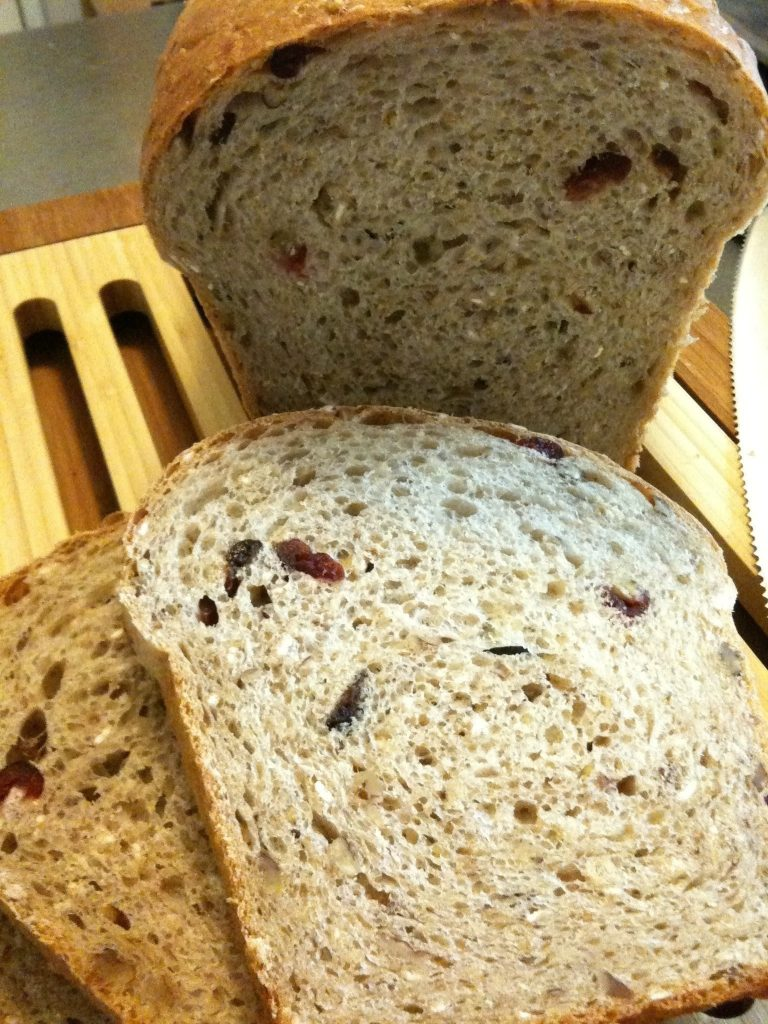 Oatmeal Bread with Cranberries and Pecans Recipe